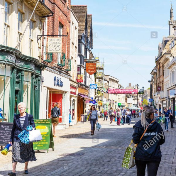 stamford-lincolnshire-town-centre-shops-high-street-center-stores-G1JY2P
